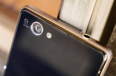Không ít mẫu smartphoneAndroid cao cấp đời cũ giờ có giá chỉ còn hơn 1 triệu đồng.