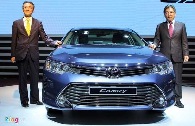 Toyota Camry ha gia gan 100 trieu dong trong thang ngau hinh anh 1