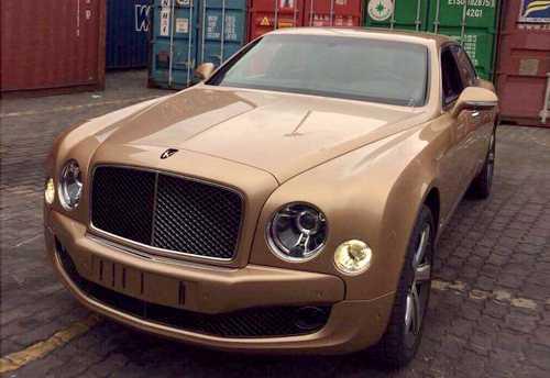 Bentley Mulsanne Speed 2016 màu độc về Việt Nam.