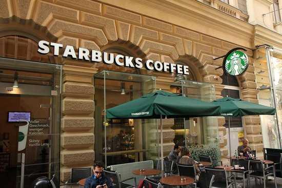 Áo: Starbuck, Amazon nộp thuế ít hơn cả xe bán xúc xích lề đường - ảnh 1