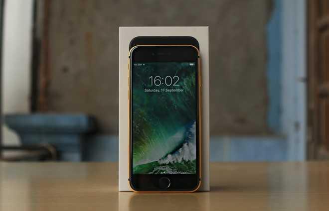 iPhone 7 Plus rong vang gia 90 trieu tai Viet Nam hinh anh 1