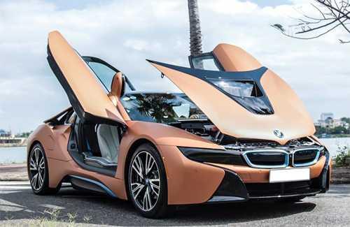 Siêu xe hybrid được làm mới bằng lớp decal màu cam. Ảnh: Thanh Tùng.