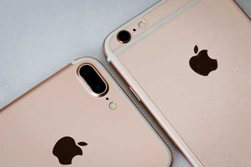 iPhone chính hãng cũng giảm giá liên tục thời gian qua dù 7 và 7 Plus vẫn chưa lên kệ.