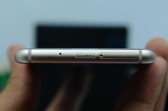 Galaxy S7 edge phiên bản Blue Coral giống Note 7
