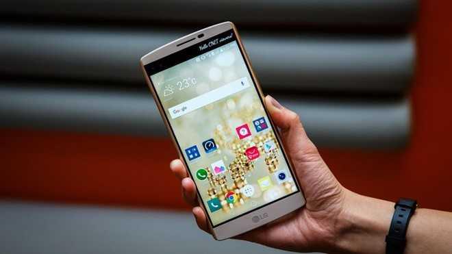 Loat smartphone bom tan 2015 mat gia ra sao? hinh anh 5