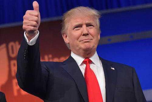 Donald Trump muốn các công ty như Apple đặt nhà máysản xuất ngay tại Mỹ.