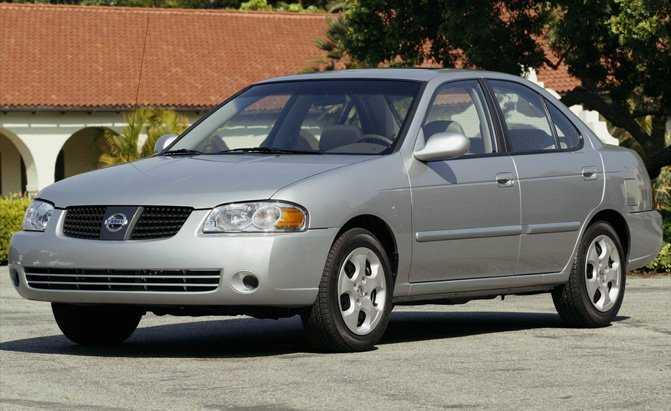 10 mẫu ô tô cũ kém an toàn không nên mua - ảnh 3
