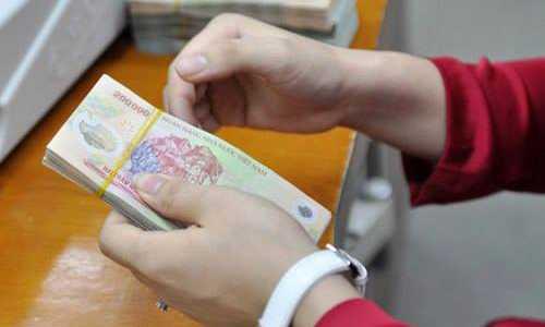 Các ngân hàng phải cho phép khách được khiếu nại, tra soát trong thời gian nhiều hơn 2 tháng kể từ xảy ra sự cố. Ảnh: A.Q.