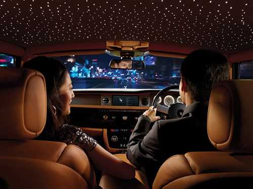 Trieu hoi sieu xe sang chuc ty Rolls-Royce Ghost tai Viet Nam-Hinh-2