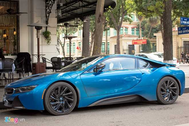 Anh dep xe the thao 7 ty BMW i8 tren duong pho Viet Nam hinh anh 7