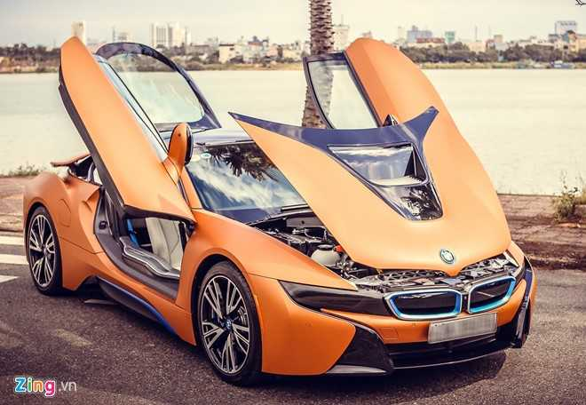 Anh dep xe the thao 7 ty BMW i8 tren duong pho Viet Nam hinh anh 2