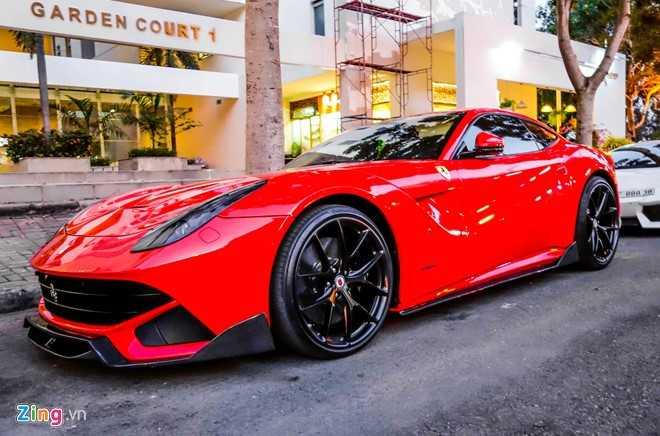 Cuong Do La gay chu y voi sieu xe Ferrari F12 do DMC hinh anh 1