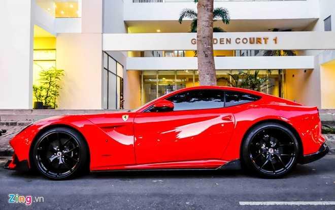 Cuong Do La gay chu y voi sieu xe Ferrari F12 do DMC hinh anh 2