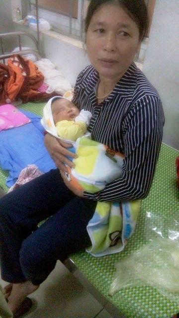 Ngỡ ngàng bé trai nặng 6,1kg chào đời tại Nghệ An ảnh 1
