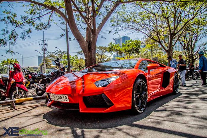 Ngắm siêu bò Aventador LP700-4 của đại gia ngành Y khoe sắc trên phố Sài Gòn ảnh 9