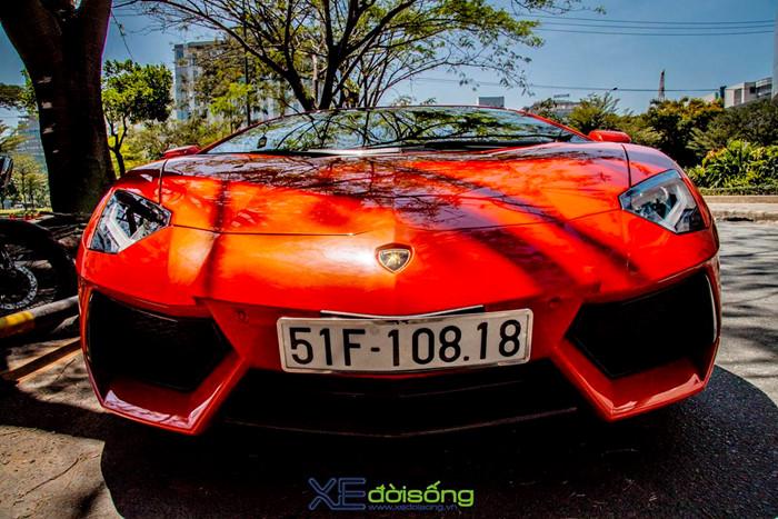 Ngắm siêu bò Aventador LP700-4 của đại gia ngành Y khoe sắc trên phố Sài Gòn ảnh 10