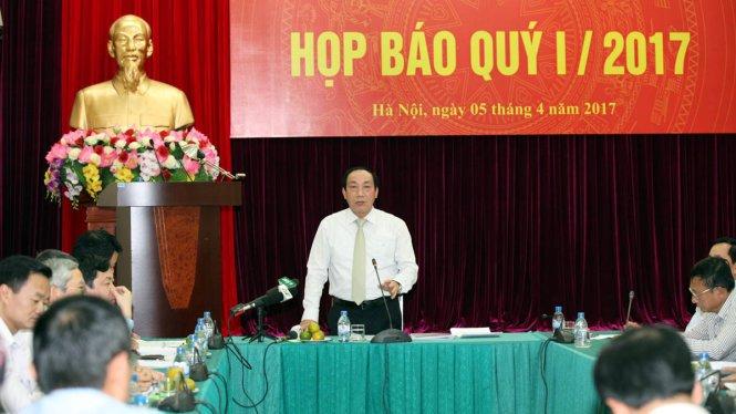 Thứ trưởng Bộ GTVT Nguyễn Hồng Trường chủ trì buổi họp báo - Ảnh: Tuấn Phùng