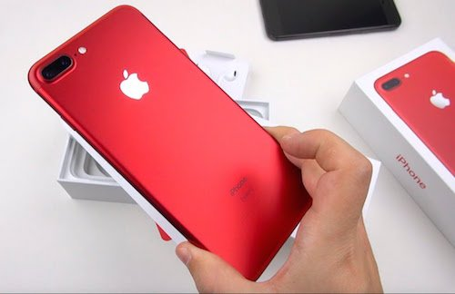 apple-ban-it-iphone-hon-nhung-lai-nhieu-hon