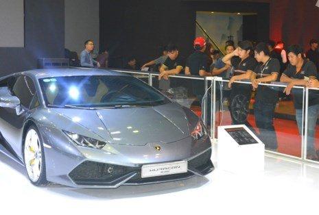 Dàn siêu xe phải nộp phí tiền tỉ tại Việt Nam - ảnh 2