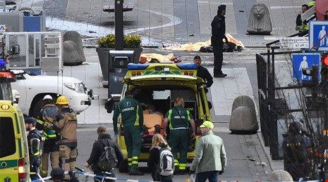 Thủ tướng Thụy Điển nói thủ đô bị 'tấn công khủng bố' - ảnh 1