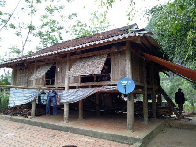 Ngôi nhà của gia đình em P.T.V.T ở xã Thúy Sơn.