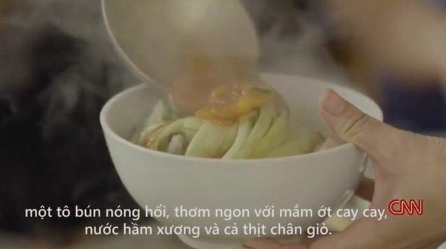 Hinh anh Quan bun chui len CNN: Bat ngo vi ba chu da giam chui 6