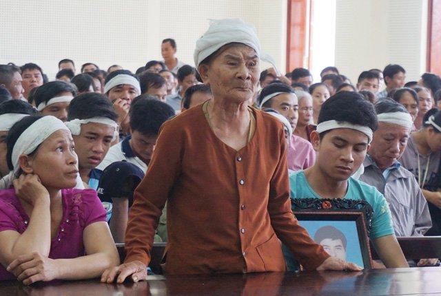 Người mẹ 85 tuổi của nạn nhân Đoàn Văn Hiển yêu cầu mạng đổi mạng đối với kẻ đã giết chết con trai mình