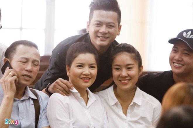 Ngoc Trinh thang kien, nha hat kich phai boi thuong hon 230 trieu dong hinh anh 1