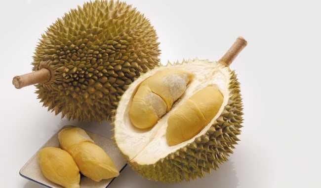 Tác hại của trái sầu riêng: Đầy hơi - Đầy hơi: Theo Nature Word, sầu riêng giàu chất xơ, vì vậy ăn quá nhiều có thể khiến dạ dày khó chịu.