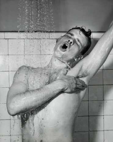 shower-singing-2