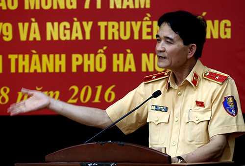 Cục trưởng Cục CSGT, thiếu tướng Trần Sơn Hà cho biết đãbáo cáo Quốc hội để đề xuất sửa đổi Pháp lệnh sử dụng súng. Ảnh: Bá Đô.
