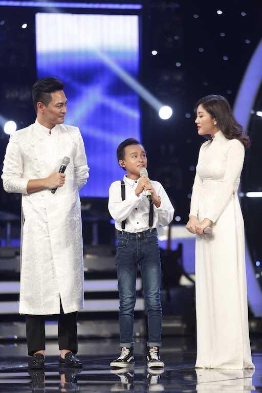 Ho Van Cuong giao luu voi khan gia1