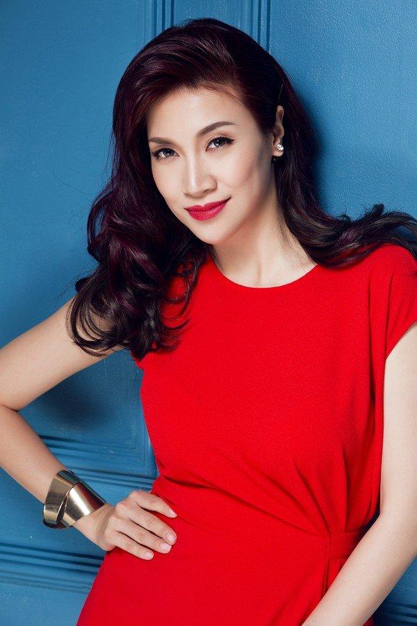 Hinh anh Khan gia phan ung du doi khi Trang Tran - Pha Le hon lao voi nghe si Xuan Huong 4
