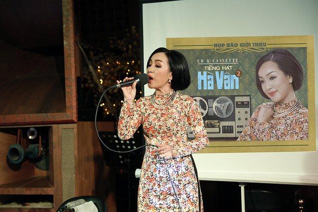 Hinh anh Hoc tro Mr. Dam mao hiem tung album nhac bolero voi dinh dang