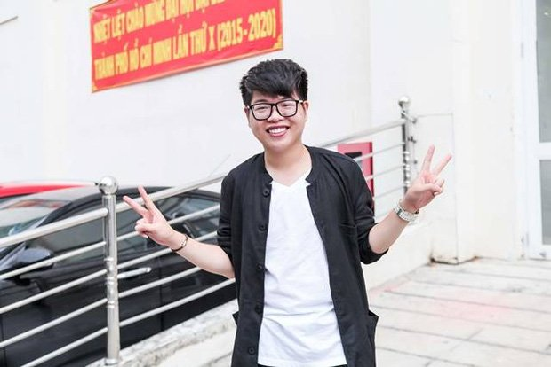 Sau sự hào nhoáng bên ngoài của showbiz, vẫn có những sao Việt giản dị đi xe máy, ăn mì tôm giản dị không tưởng! - Ảnh 36.