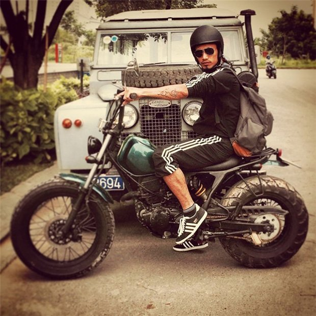Sau sự hào nhoáng bên ngoài của showbiz, vẫn có những sao Việt giản dị đi xe máy, ăn mì tôm giản dị không tưởng! - Ảnh 13.