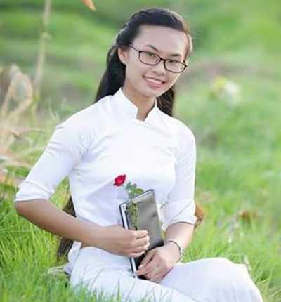 Thùy Linh đỗ thủ khoa khối C ở cụm thi 34 (Thanh Hóa). Ảnh: NVCC.