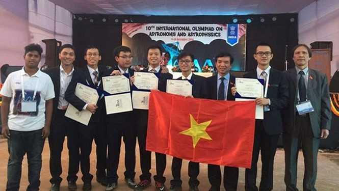 Kết quả hình ảnh cho Học sinh VN giành huy chương về thiên văn học