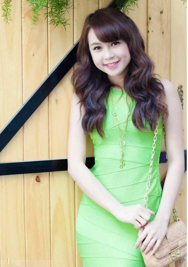 Hot girl Sam (1)