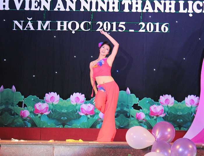 hoa-khoi-xinh-dep-cua-hoc-vien-an-ninh-khong-thich-goi-la-nguoi-noi-tieng-4