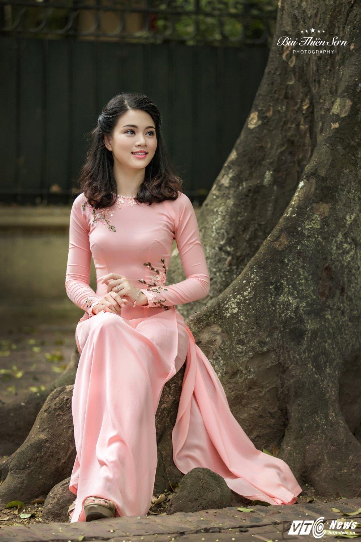 Hinh anh Hoa khoi CD canh sat nhan dan I dep nen na trong ta ao dai 5