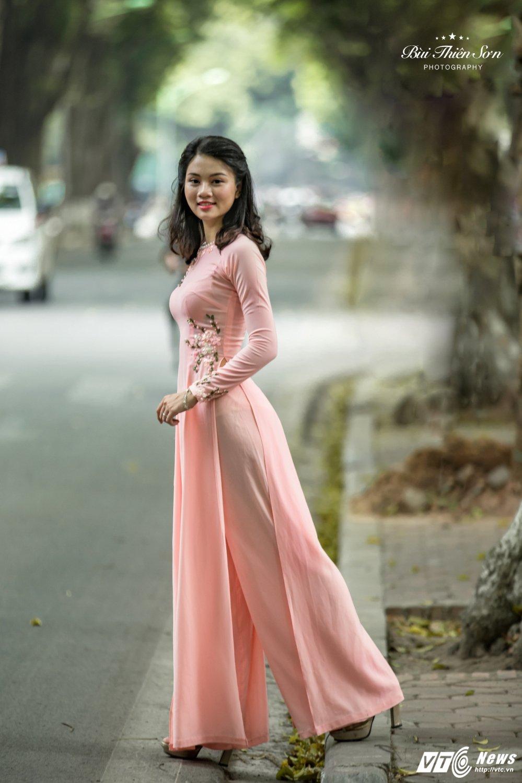 Hinh anh Hoa khoi CD canh sat nhan dan I dep nen na trong ta ao dai 7