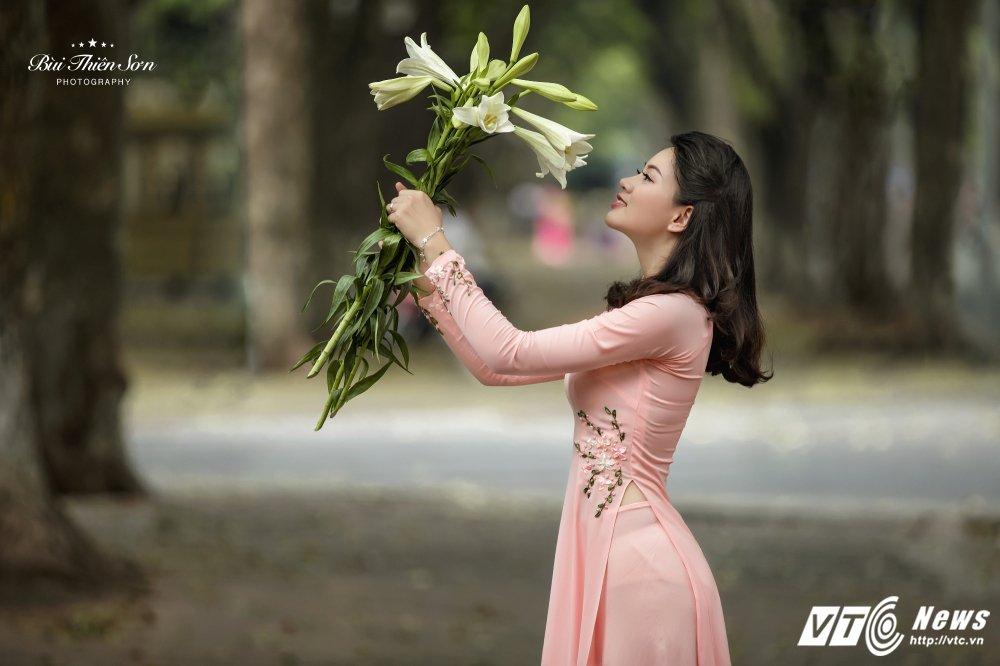 Hinh anh Hoa khoi CD canh sat nhan dan I dep nen na trong ta ao dai 9