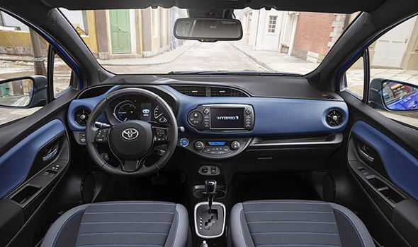 Toyota-Yaris-2017-865887