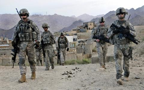 linh-afghanistan-no-sung-ban-bi-thuong-quan-nhan-my_20957493
