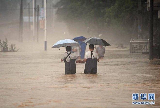 hunan-flooding-1499138666_680x0 3