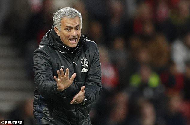 Hinh anh Manchester United vua trai qua mua giai toi te nhat trong lich su Premier League
