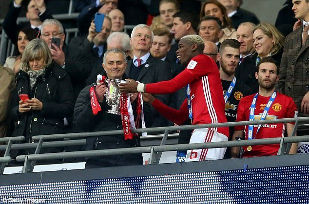 Hinh anh Manchester United vua trai qua mua giai toi te nhat trong lich su Premier League 3