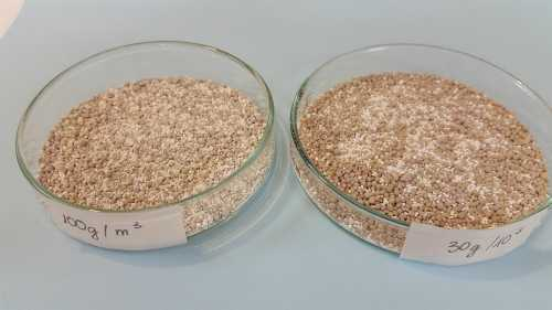 Chế phẩmRedoxy-3C do Đức sản xuất để làm sạch môi trường nước trong các hồ ở Hà Nội.