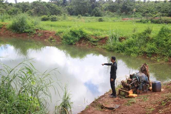 Hồ nước nơi phát hiện thi thể của anh Duy và hai con nhỏ - Ảnh: Lê Tiền